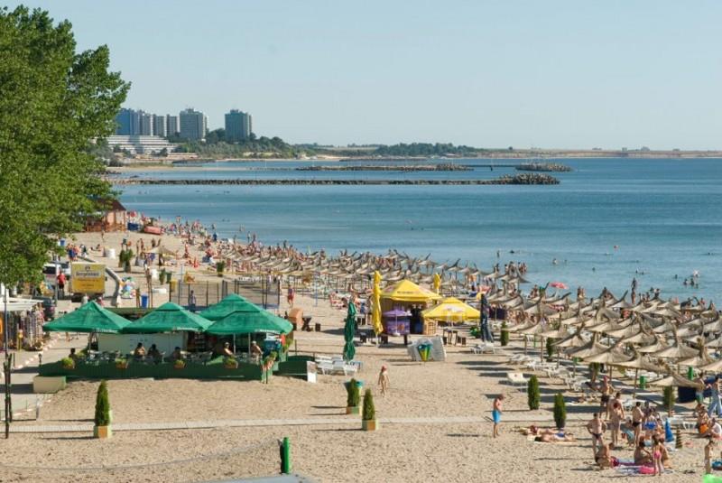 Eximtur_Hotel_Tismana_plaja
