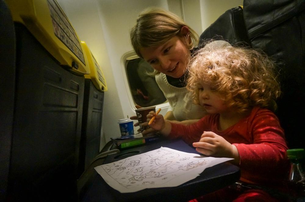 Cat de <b>riscante sunt zborurile in timpul sarcinii</b> – ce spun specialistii
