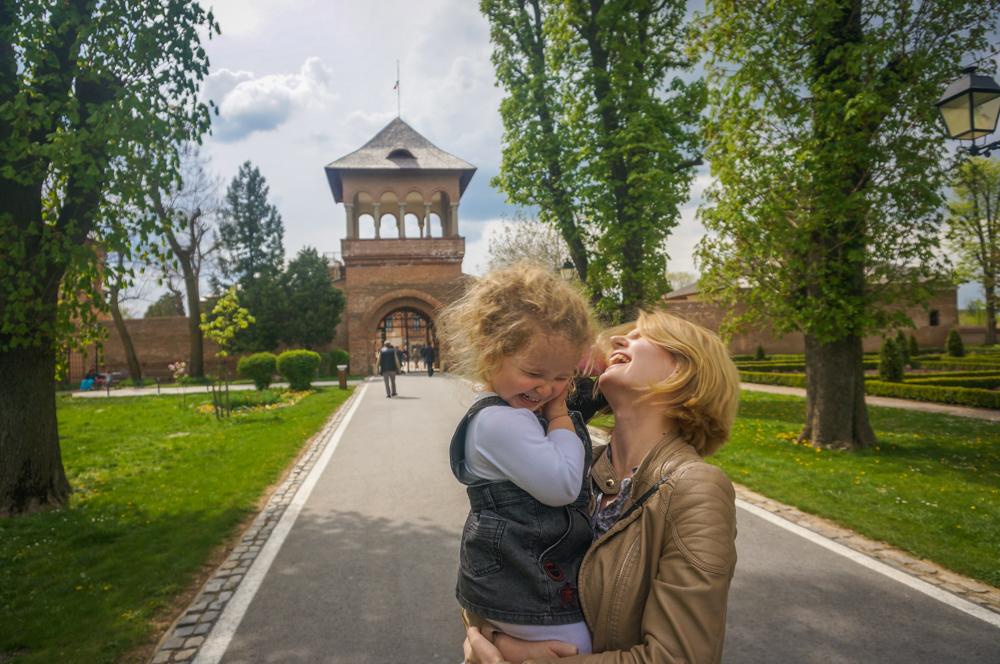 Bebe calator ♥ Romania – <b>primavara la Mogosoaia</b>, cu arome frantuzesti