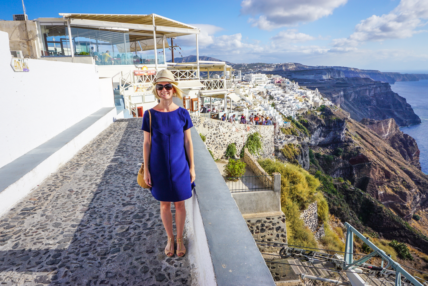 [VIDEO] A sasea <b>luna de miere in Santorini</b>