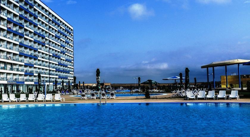 Blaxy premium resort 1