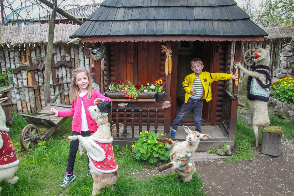 <b>Cu copiii prin Romania</b> – de vorba cu Raluca Ioana Dumitru