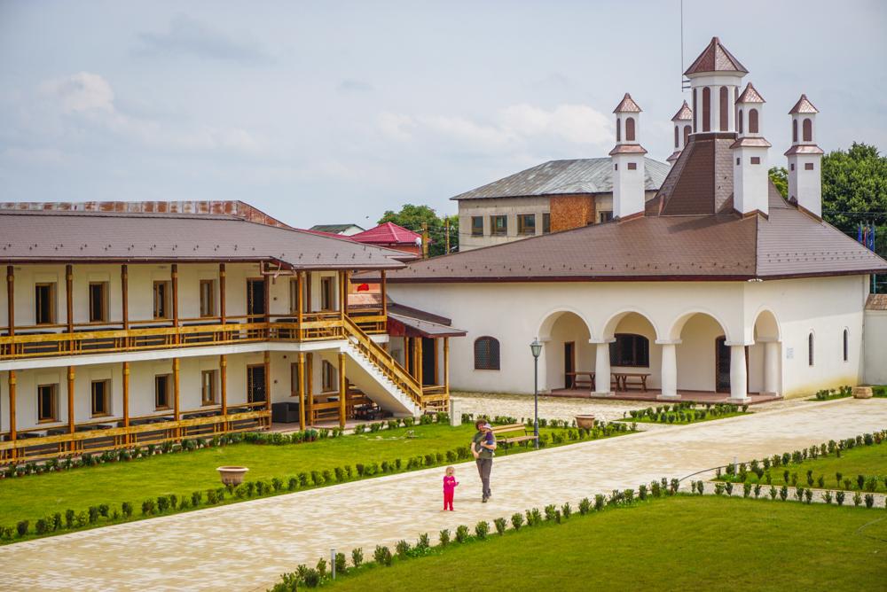 Palatul Brancovenesc de la Potlogi &#8211; o idee de <b>escapada de-o zi din Bucuresti</b>
