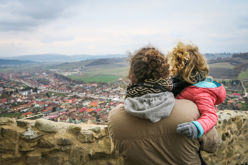 Weekend <b>cu familia in judetul Brasov</b> – vulcani noroiosi, cetati si stejari seculari