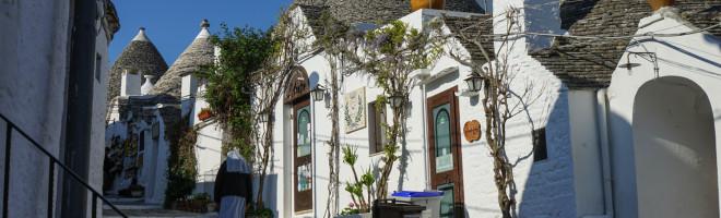 4 moduri de a te bucura de trulli in Alberobello (recomandate calduros familiilor)