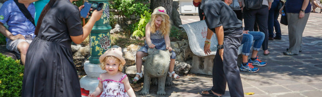 Wat Pho, Bangkok – sau cum au reactionat fetele la prima intalnire cu budismul