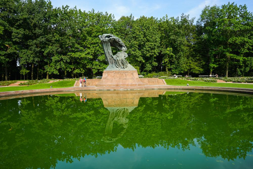 Lazienki monument Chopin varsovia cu copiii-14